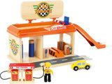 Auto garage met tankstation_