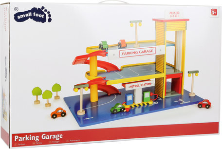Parkeergarage + Benzinestation