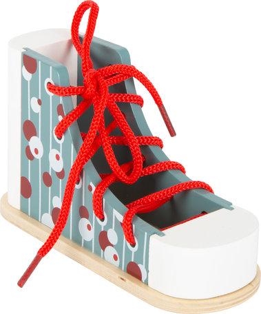 Houten schoen - oefenen met veters strikken!